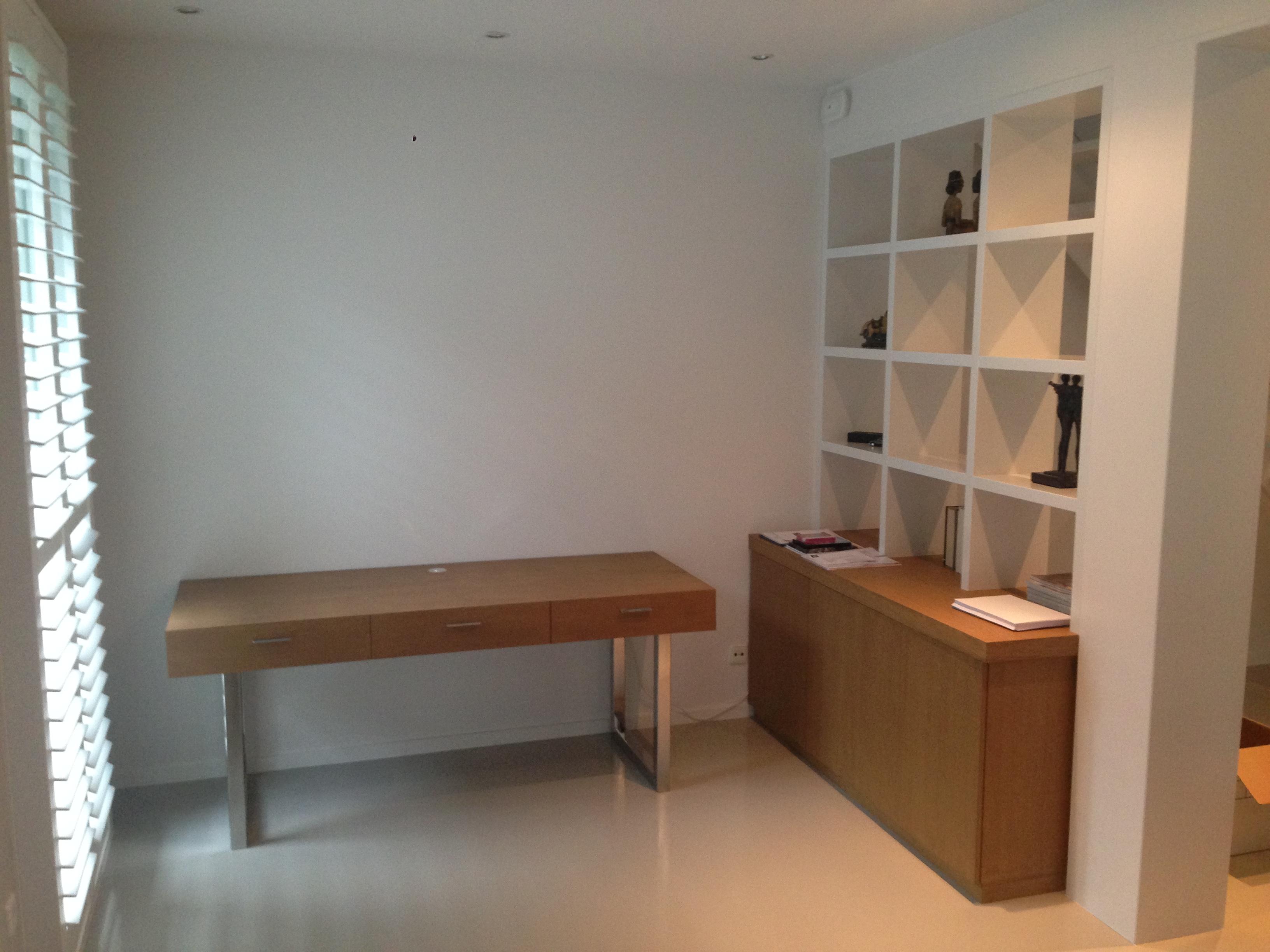 Kastenwand en bureau meubelmakerij van diemen