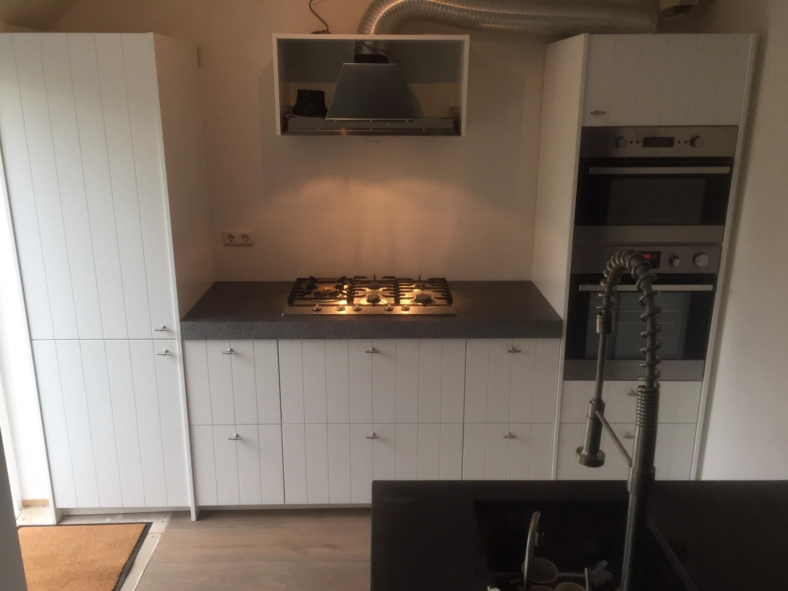 keuken met inbouwapparatuur.JPG
