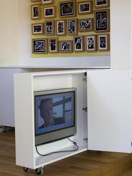 tv kastverrijdbaar2.jpg